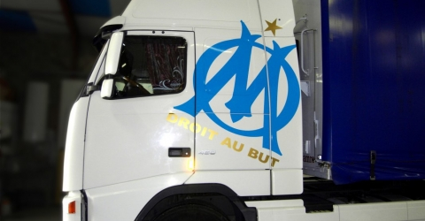 adhésif camion OM